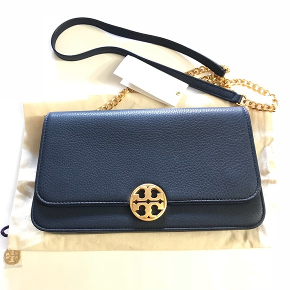 7ea65525aee Tory Burch Chelsea flap convertible clutch bag. M 5ad2a6213afbbd11876fab37.  Other Bags ...